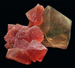 Fluorite_en-quartz-fumé_Fluorite-Laurent_924x616-web