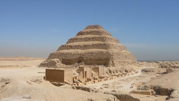 Pyramide-du-roi-djoser-a-saqqarah