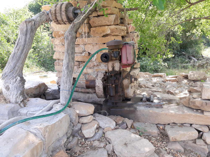 Bada Bagh Puits avec pompe motorisée pour remonter l'eau