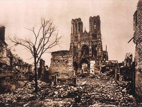 ND de Reims après l'incendie