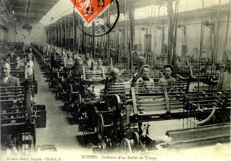 Suippes intérieur d'un atelier de tissage